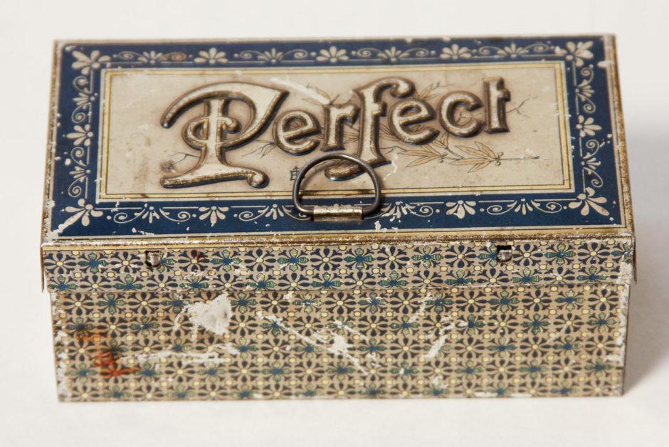 Коробка с типографическим шрифтом «Perfect». Начало ХХ в.