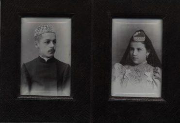 Книгоиздатель, писатель и переводчик Ахметгарей Хасани и его супруга